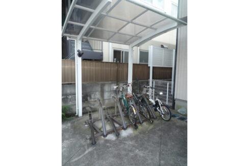 蓼科荘(タデカソウ)の駐輪場