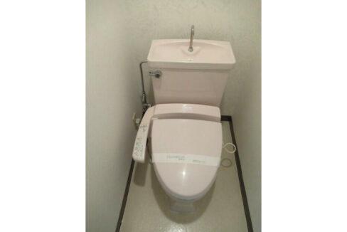 鉄飛坂マンション(テッピザカ)のウォシュレット付トイレ