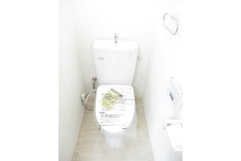 ホワイトマンションのウォシュレット付トイレ
