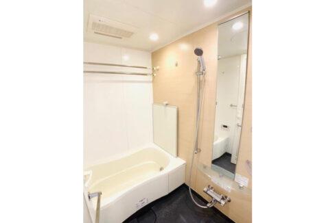 アパートメンツ不動前(フドウマエ)の追焚機能付バスルーム