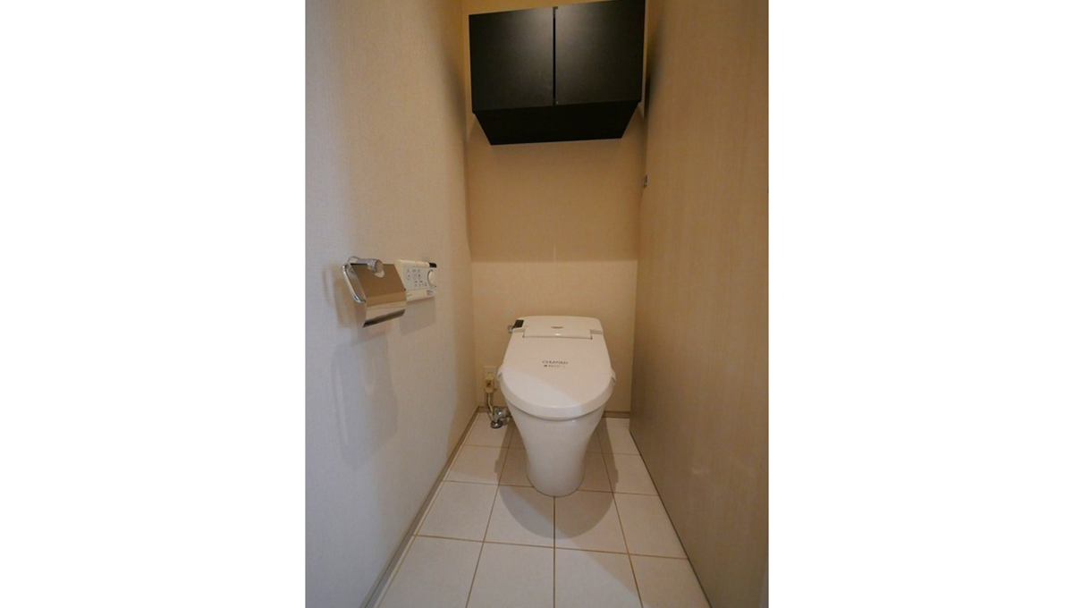 fino JIYUGAOKA(フィーノ ジユウガオカ)のタンクレスウォシュレットトイレ