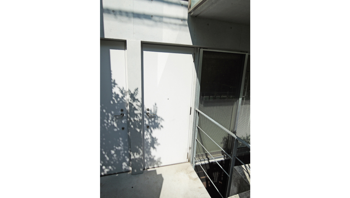 FLEG自由が丘EL(フレッグ ジユウガオカ)の玄関ドア