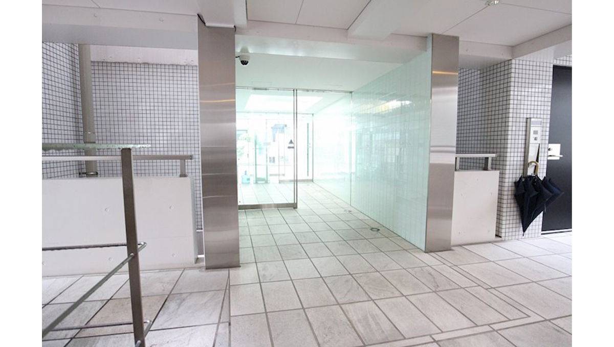 FLEG目黒平町(フレッグ メグロタイラマチ)のエントランスホール