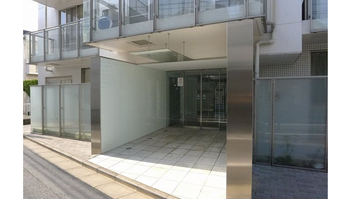 FLEG目黒平町(フレッグ メグロタイラマチ)のエントランスアプローチ