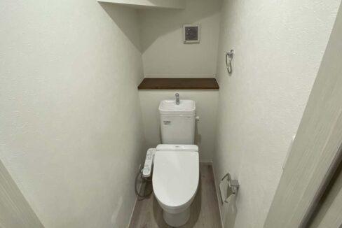 ハーミットクラブハウスMIE(ミエ)のウォシュレット付トイレ