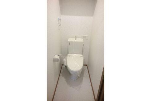 メゾン・ド・ルピナスのウォシュレット付トイレ