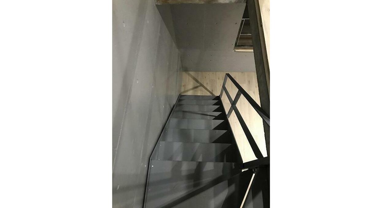MarineCove自由が丘(マリーン コーブ ジユウガオカ)の階段