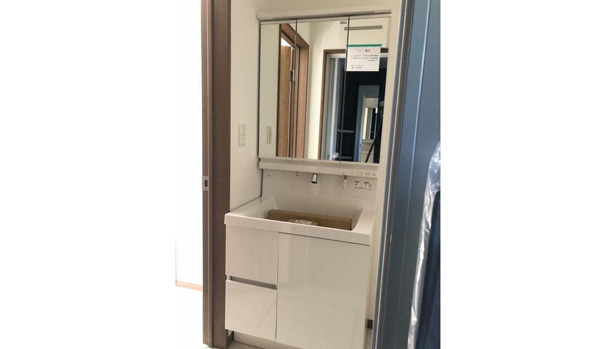 大田区中央5丁目新築戸建て(オオタク チュウオウ)の独立洗面化粧台