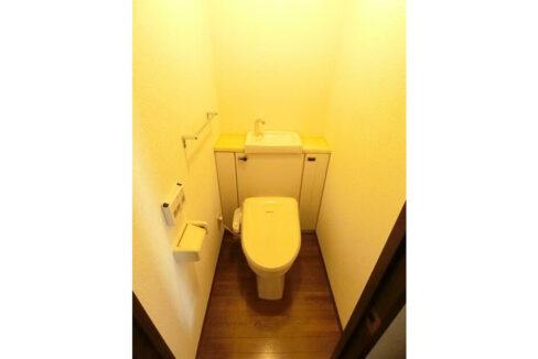 パークヴィラ中根(ナカネ)のウォシュレット付トイレ