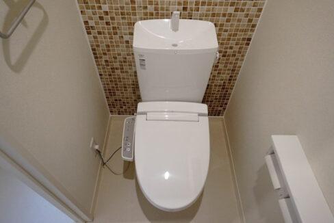 プレミール柿の木坂アネックス(カキノキザカ)のウォシュレット付トイレ
