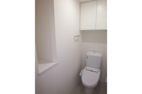 PREMIUM CUBE 都立大学 #mo(プレミアムキューブ トリツダイガク)のウォシュレット付トイレ
