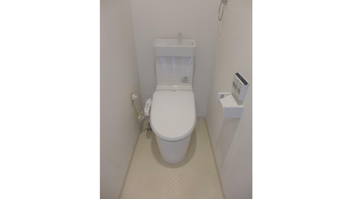 ラッフルズ自由が丘(ジユウガオカ)のウォシュレット付トイレ