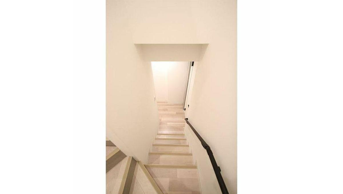 REGALO奥沢自由が丘(オクサワジユウガオカ)の階段