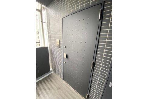 AXAS 目黒 Sta. (アクサス メグロ )の玄関ドア