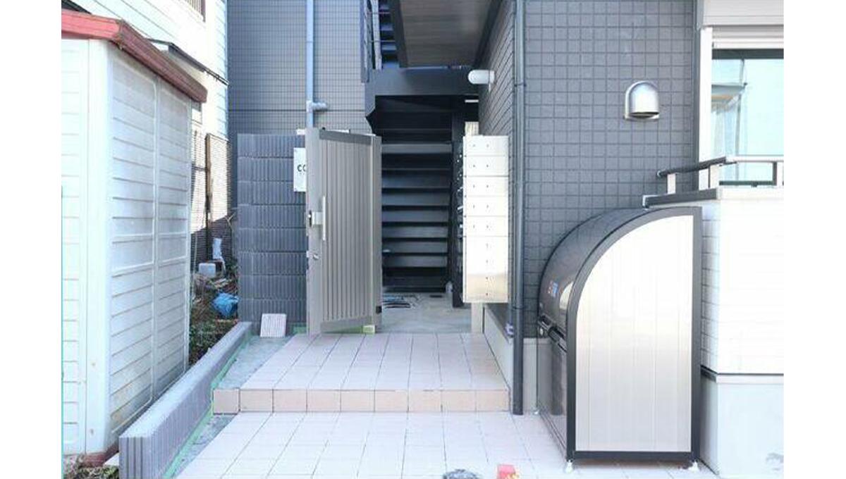 コンフィア目黒本町(メグロホンチョウ)のエントランスアプローチ