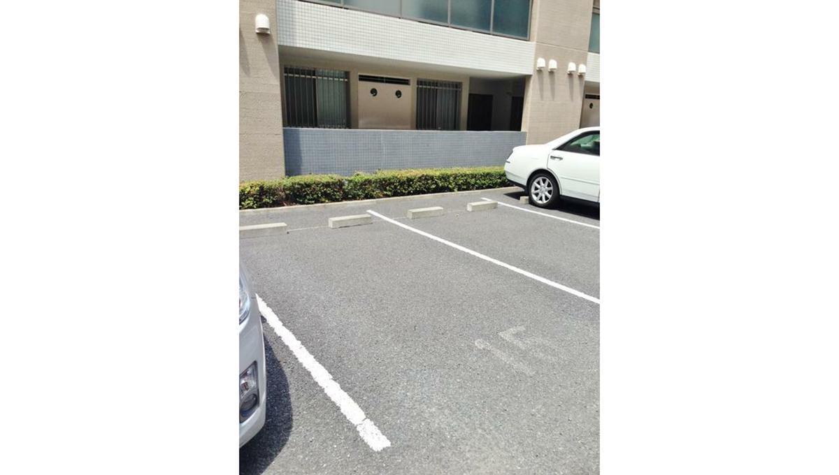 ガーデン目黒平町( メグロ タイラマチ )の駐車場