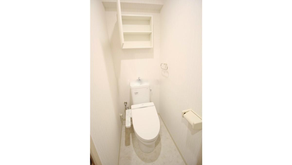 イルミナーレ 学芸大学(ガクゲイダイガク)のウォシュレット付トイレ