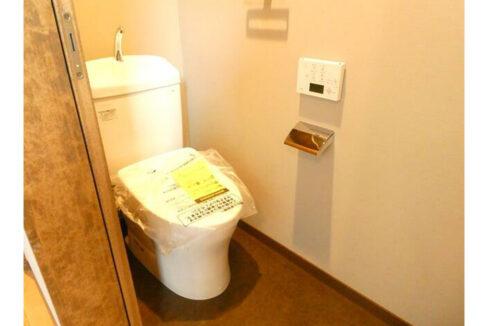 キートのウォシュレット付トイレ