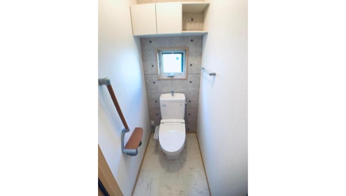 オークヴィラ B棟のウォシュレット付トイレ