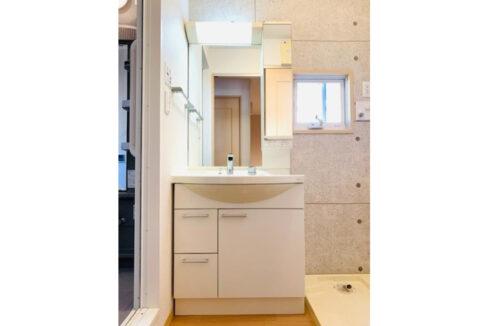 オークヴィラ B棟の独立洗面化粧台