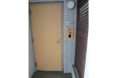 Studio T( スタジオ ティー )の玄関ドア