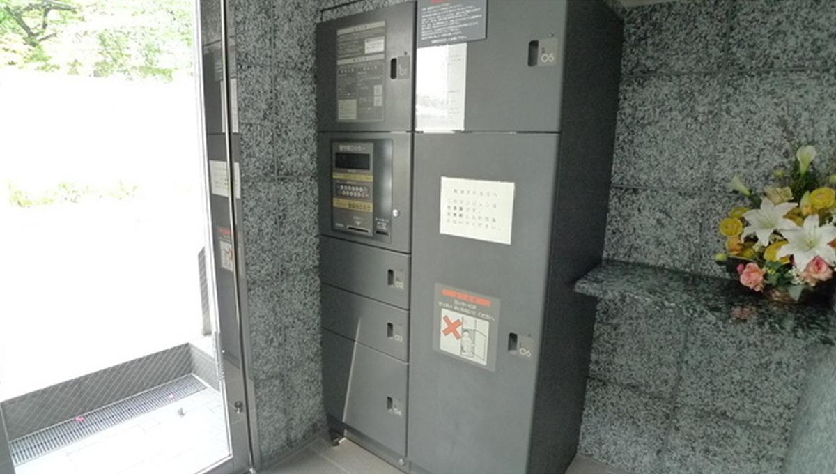 ボヌール 都立大学壱番館(トリツダイガク イチバンカン)の宅配ボックス