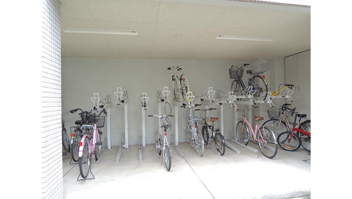 カスタリア 自由が丘( ジユウガオカ )の駐輪場