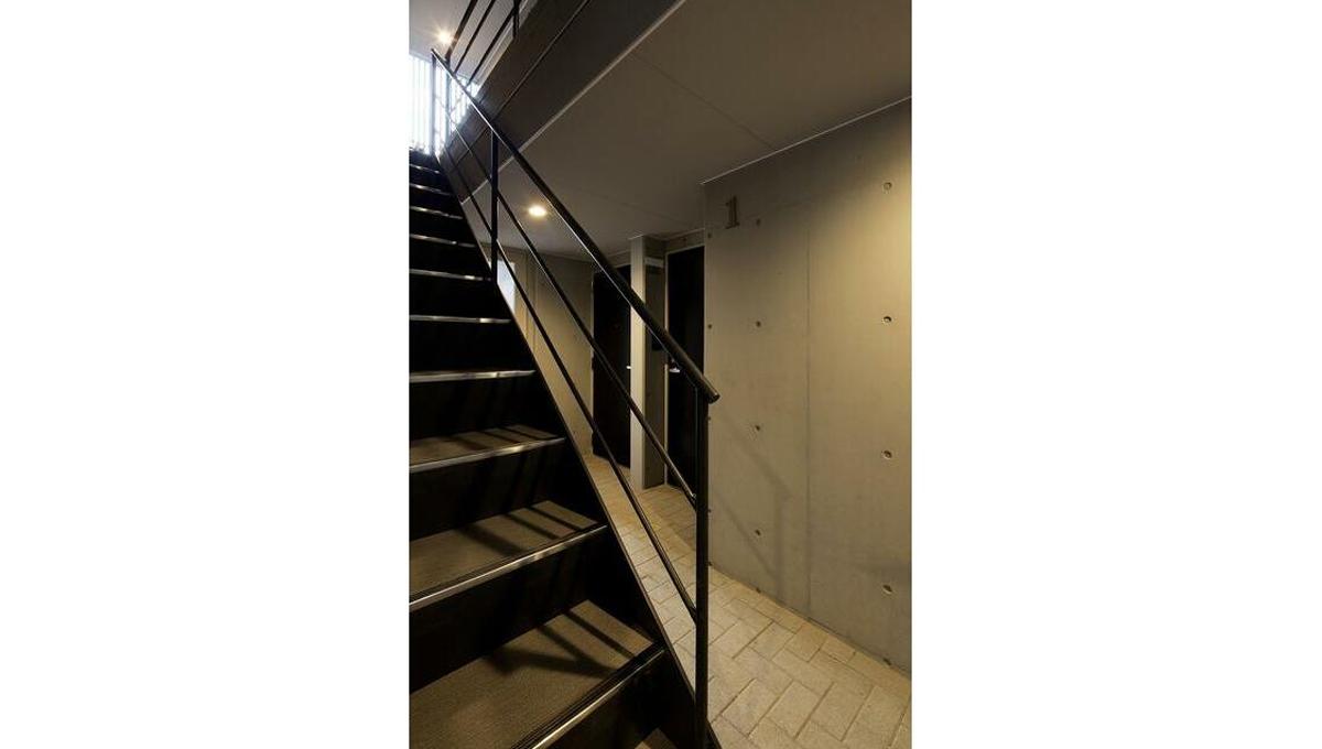 グランヒル 文庫の森( ブンコノモリ )の階段