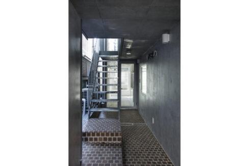 Ookayama Apartment( オオカヤマ アパートメント)の階段