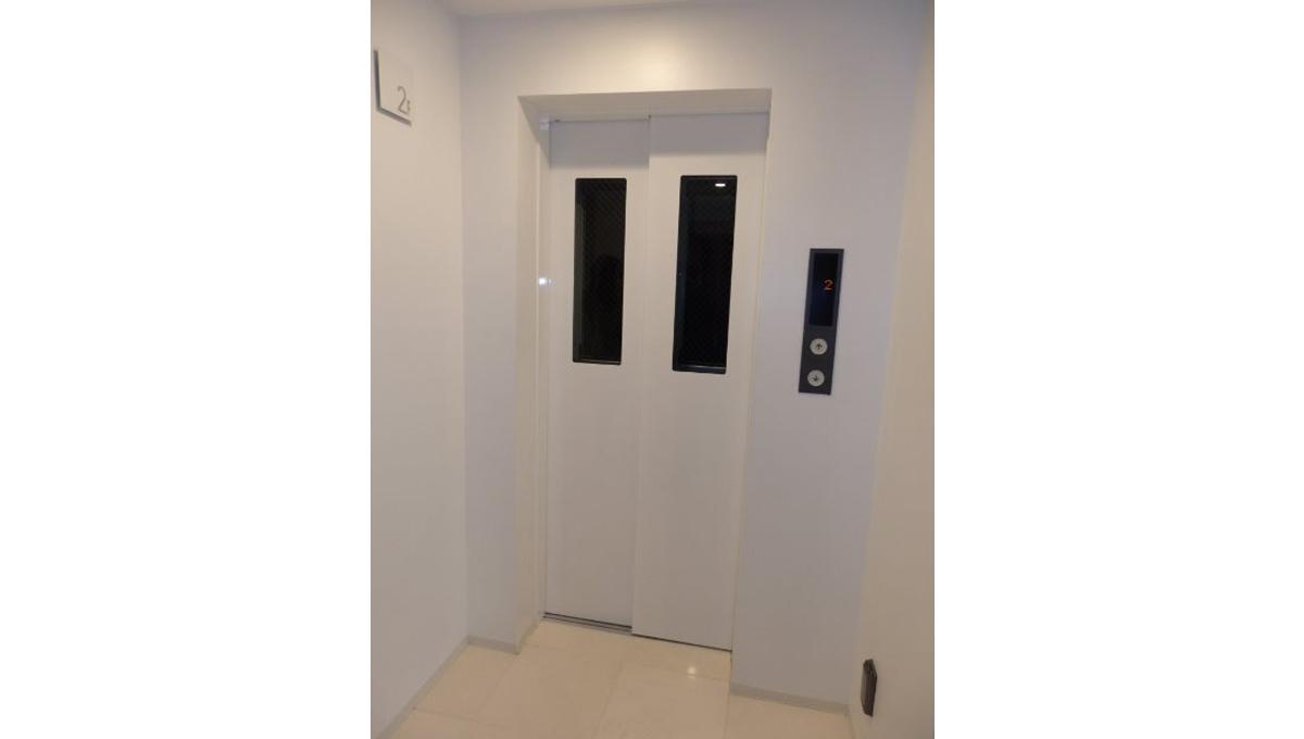 ZOOM 目黒(ズーム メグロ )のエレベーター