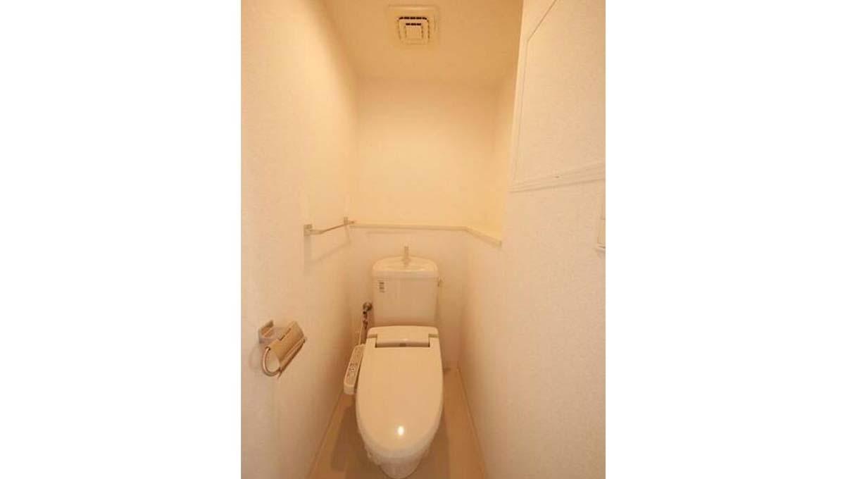 コンフォートスクエアのウォシュレット付トイレ