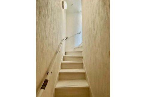DEAR ECLASS TORITSUDAI ( ディア イークラス トリツダイ )の階段