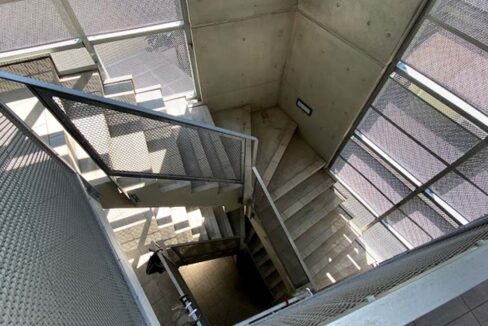joie 大崎( ジョワ オオサキ )の階段