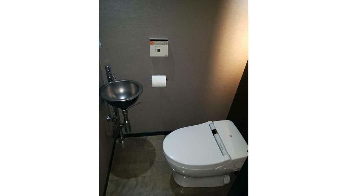 ラ・プラース ウエストのウォシュレット付トイレ