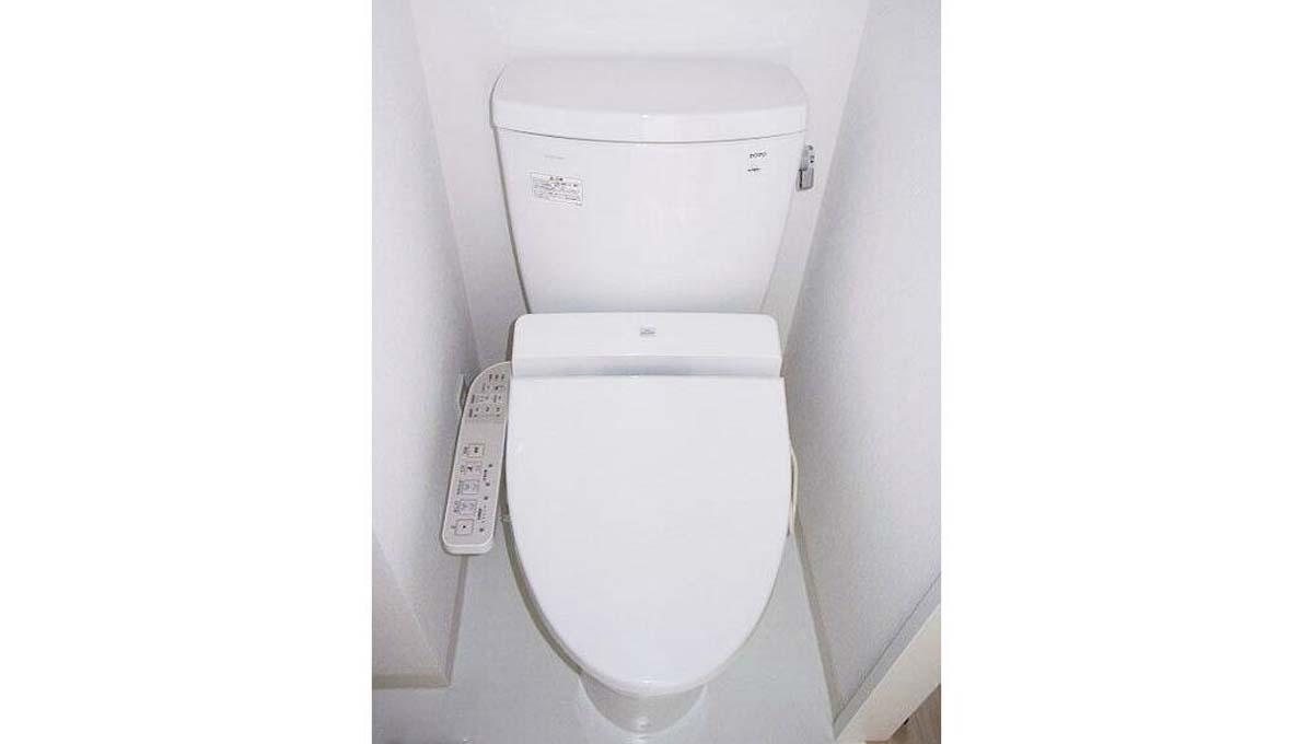プラチナコート 自由が丘( ジユウガオカ )のウォシュレット付トイレ