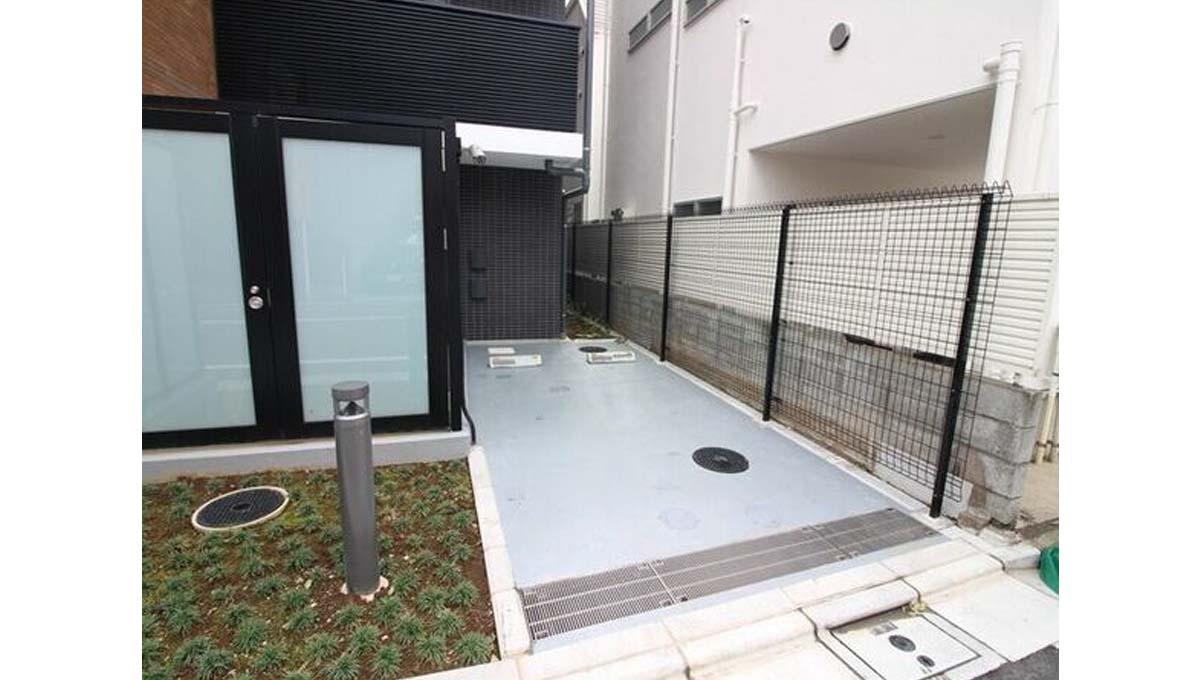 Renaissance Court JIYUGAOKA( ルネッサンス コート ジユウガオカ )の駐輪場