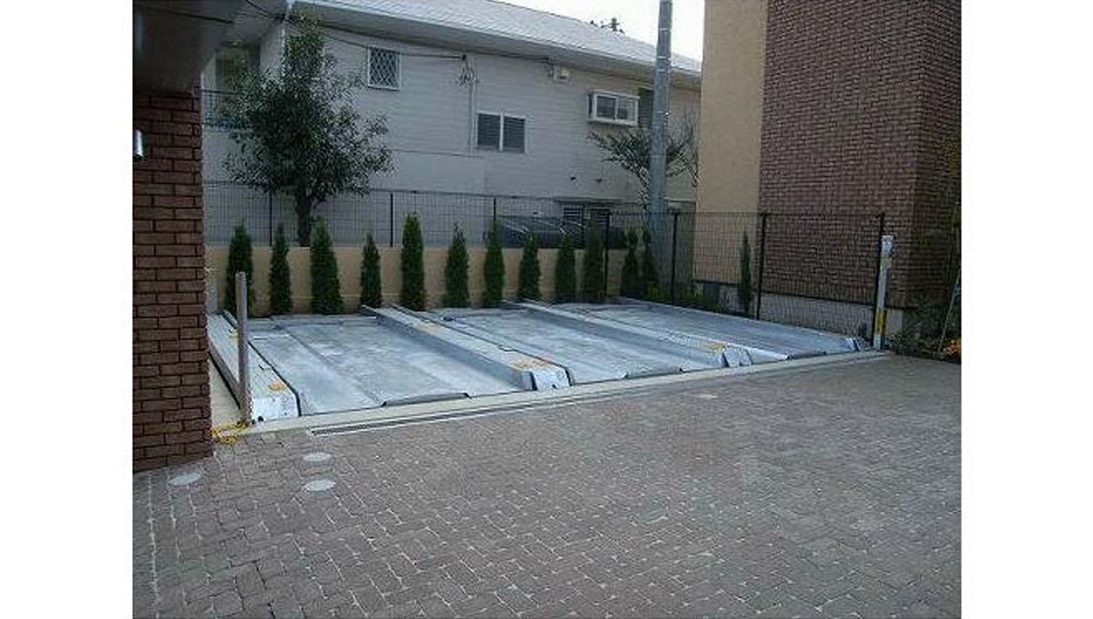 アディールテラス 上野毛 ( カミノゲ )の駐車場