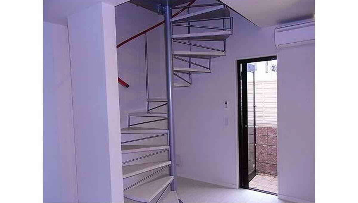 アディールテラス 上野毛 ( カミノゲ )の階段