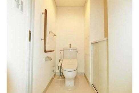 フォレスト 上野毛 ( カミノゲ )のウォシュレット付トイレ