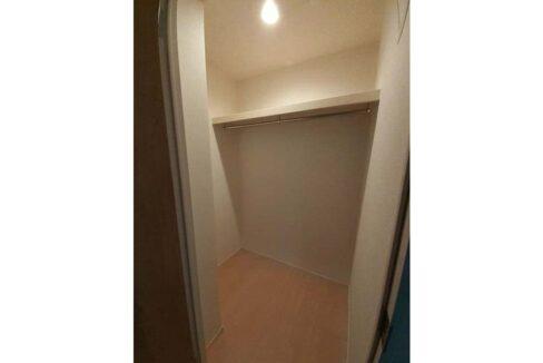 grace-one-closet1
