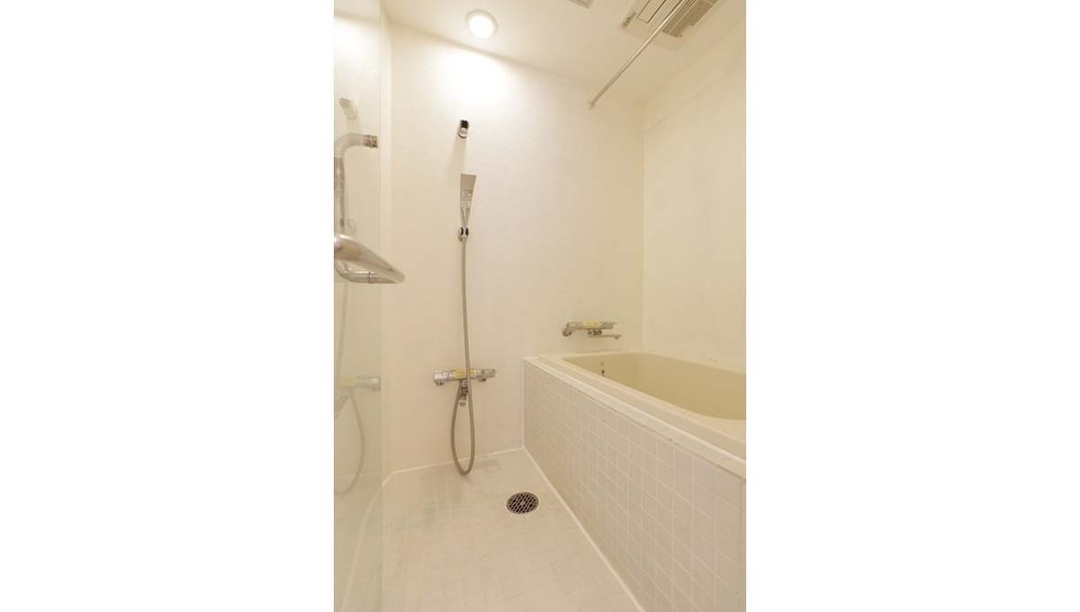 gridie-bathroom