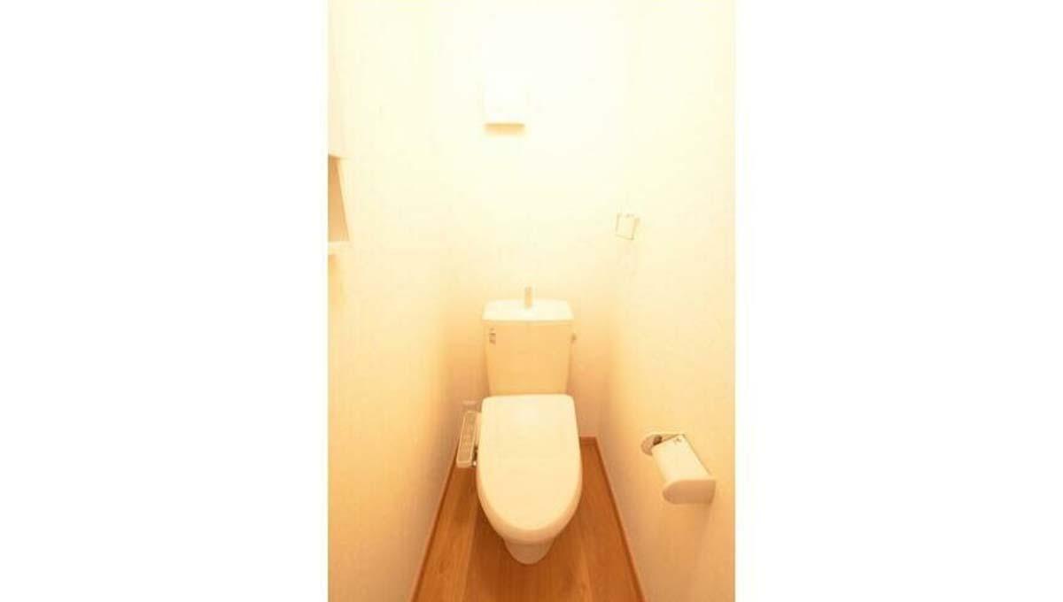 東玉川 1丁目 戸建て ( ヒガシタマガワ ) のウォシュレット付トイレ
