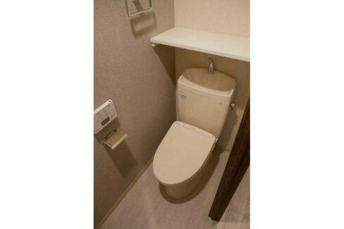 LOC'S MEGUROMINAMI( ロックス メグロミナミ )のウォシュレット付トイレ