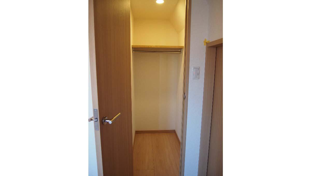 louvre-hatanodai-nibankan-walk-in-closet
