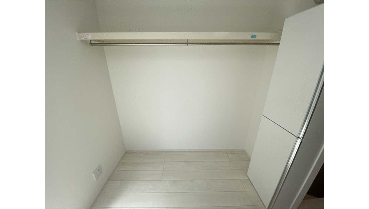 reberty-megurominami-closet