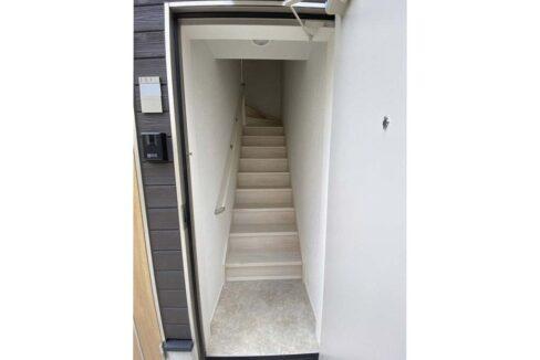 reberty-megurominami-stairs