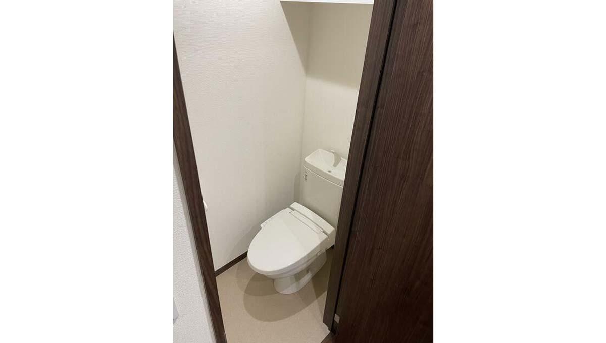 ソウ デ コトブキのウォシュレット付トイレ