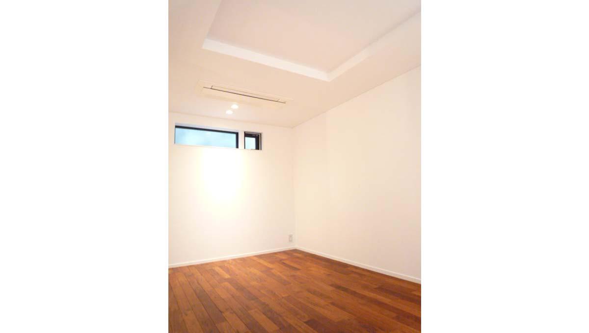 w-house2-bedroom1