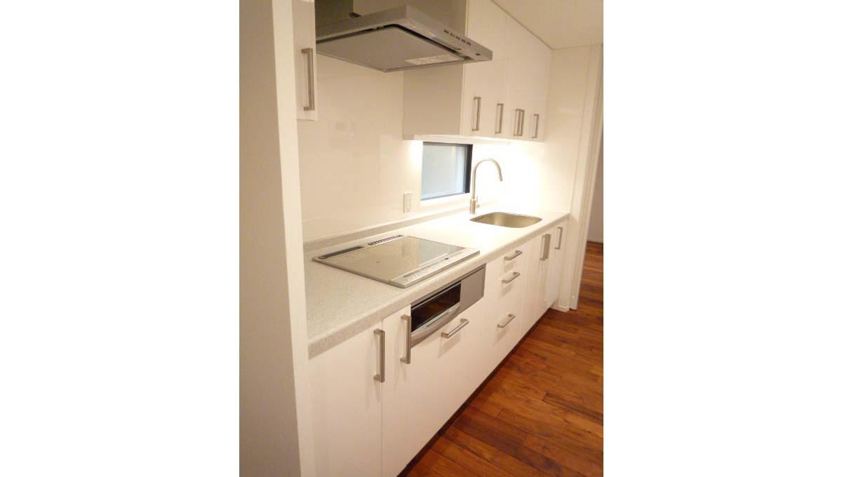 w-house2-kitchen1
