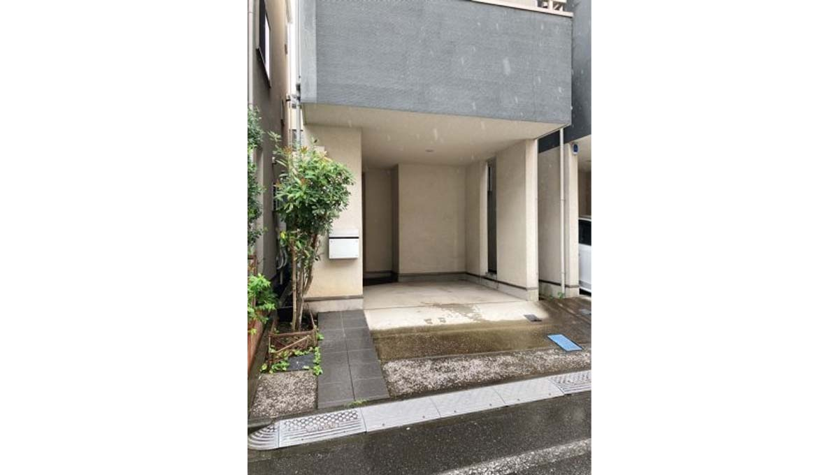 yutakamachi-house-parking
